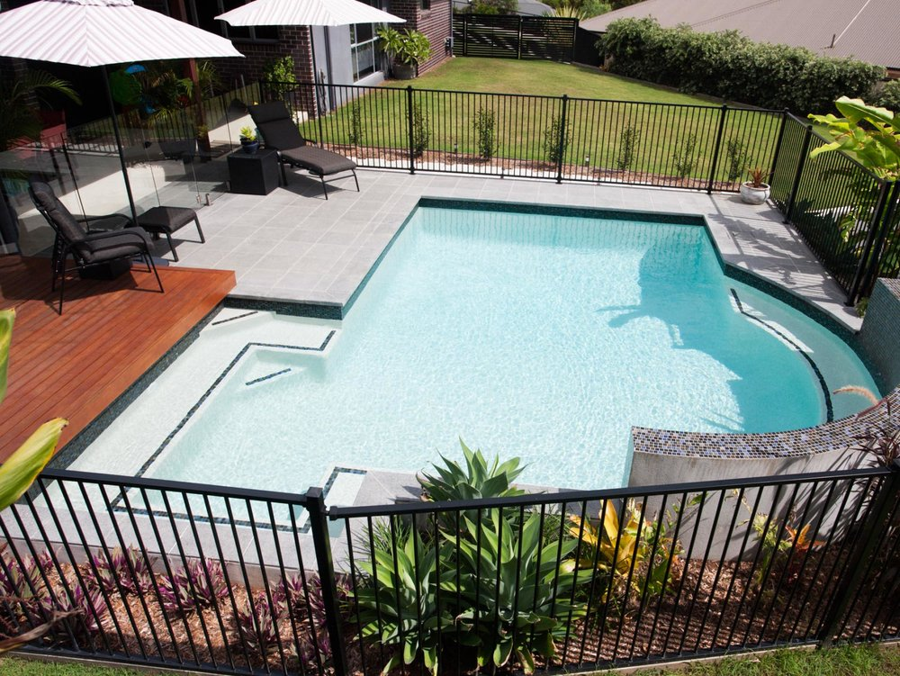 SUPERIOR POOL CLEANING SERVICE