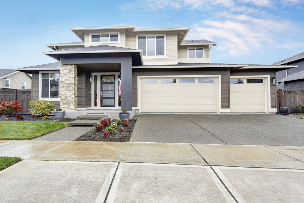bigstock-Curb-Appeal-Of-Brand-new-Home--155417156.jpg