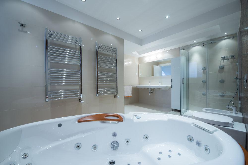 bigstock-Interior-Of-A-Luxury-Bathroom--108046685.jpg
