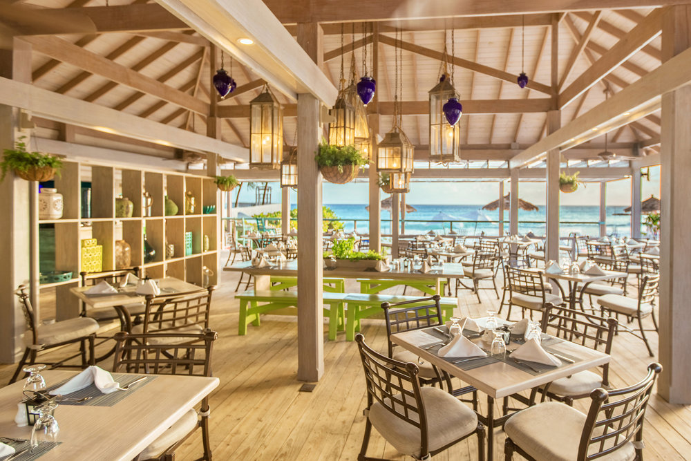 ENJOY RETREAT BREAKFASTS WITH BREATH-TAKING VIEWS OF THE SOUTH COAST FROM BOUGAINVILLEA'S CALABASH CAFE.