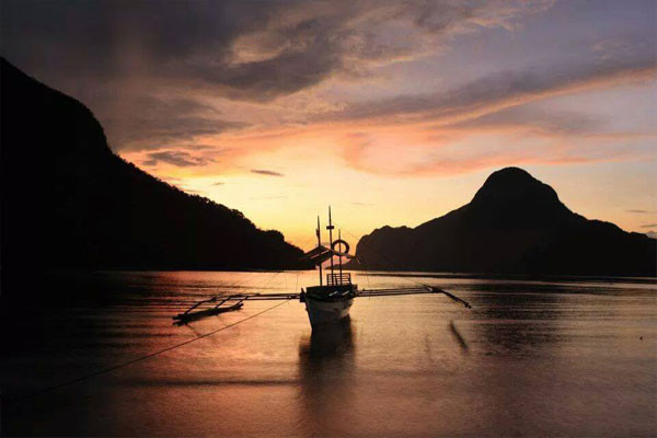 Hello-El-Nido-Sunset_1024x1024.jpg