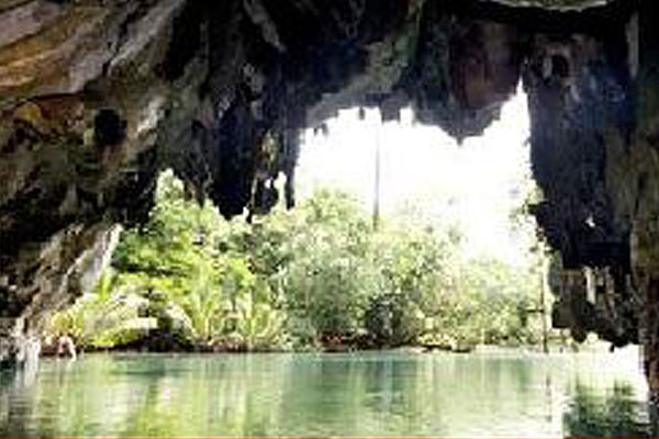 Vespa-1-Cave_1024x1024.jpg