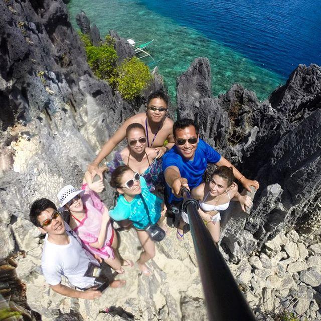 #elnido #palawan #Philippines #itsmorefuninthephilippines #wanderlust #boat #outrigger #newfriends #goodvibes #islandlife #bestislandhoppingexperience #customislandhoppingtours #HelloElNido #bookwithus