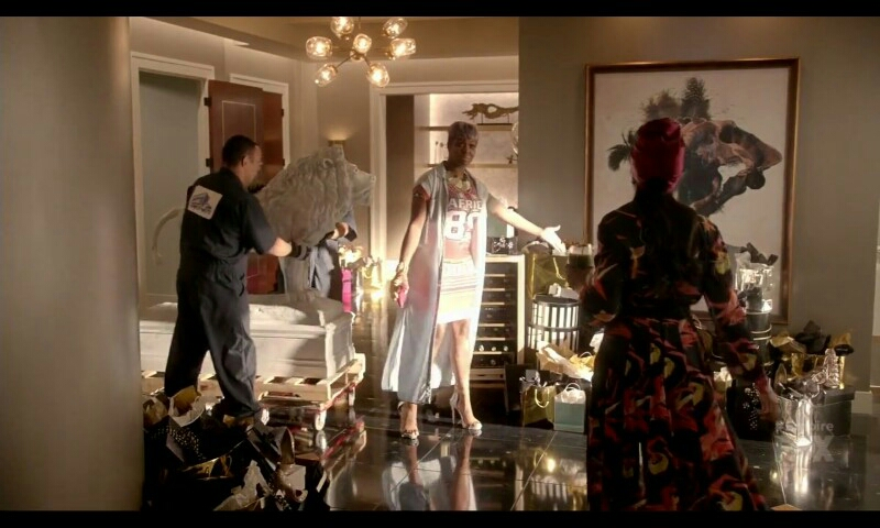Portia trying to convince Cookie to keep at least some of the unexpected gifts from Lucious.