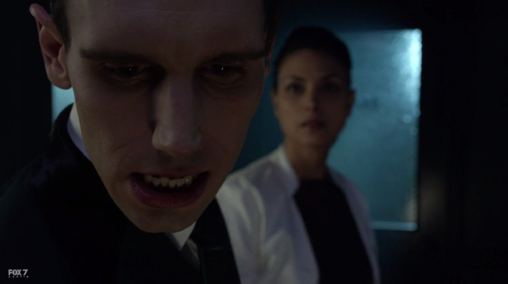Lee nails Nygma right in the jaw.