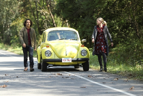 In Photo: Aladdin (Deniz Akdeniz) and Emma Swan (Jennifer Morrison)