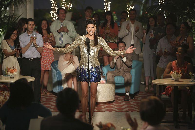 Xo singing at the Marbella.