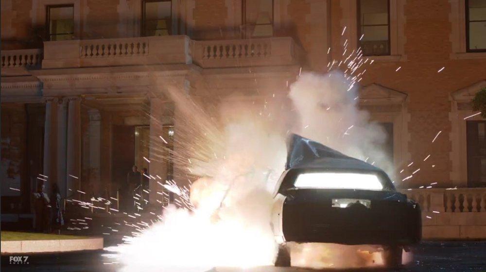gotham-s3-ep10-car-bomb.jpg