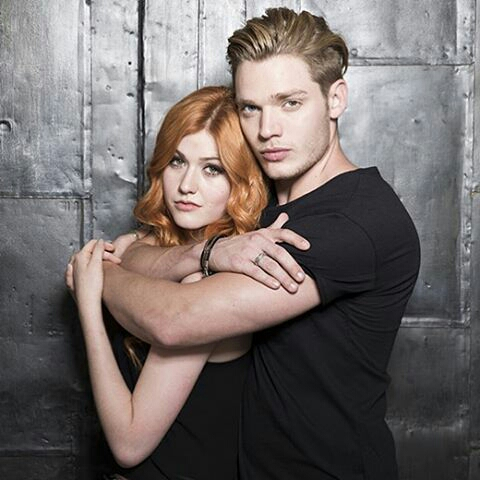 Enjoy this last Clace picture until season 2, which premieres January 2nd at 8/7ct on Freeform.