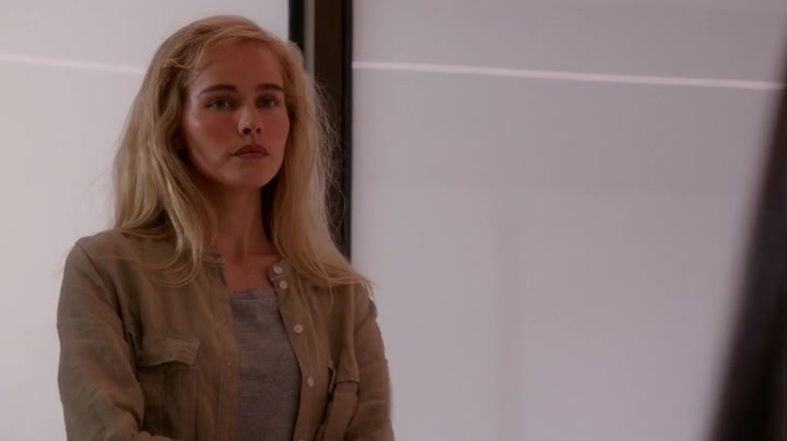 samantha cage played by isabel lucas