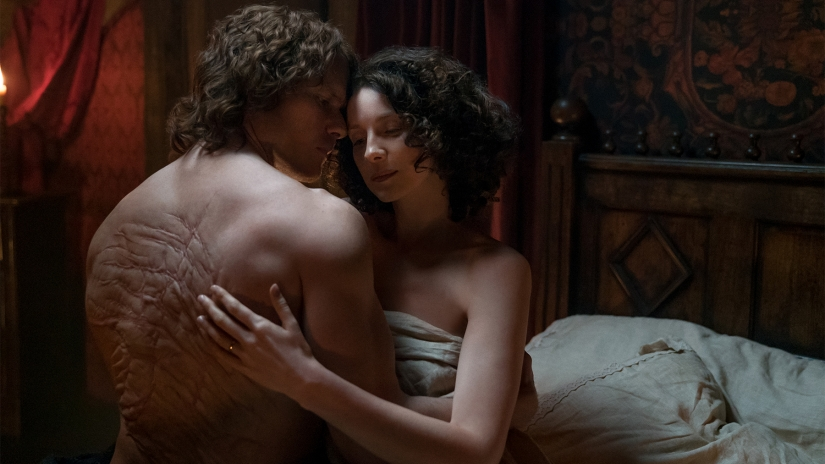Jamie and Claire in bed.jpg