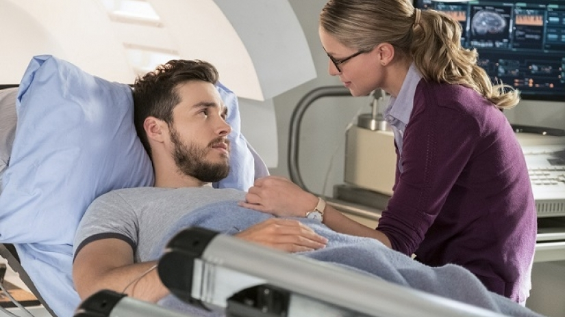 supergirl-season-3-episode-7-review-wake-up-mon-el.jpg