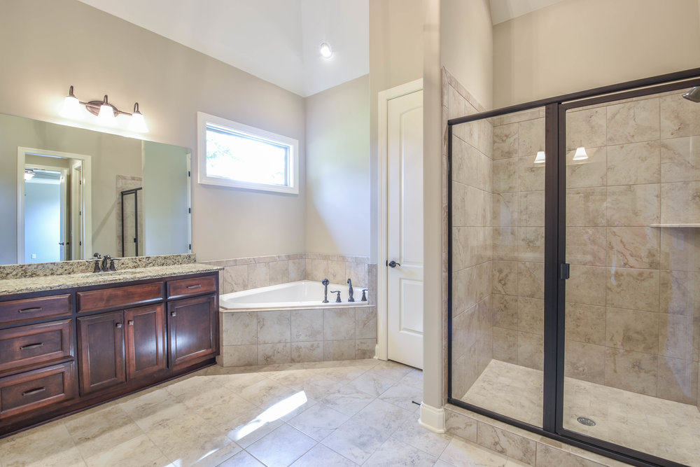 4.Master Bathroom 1.jpg