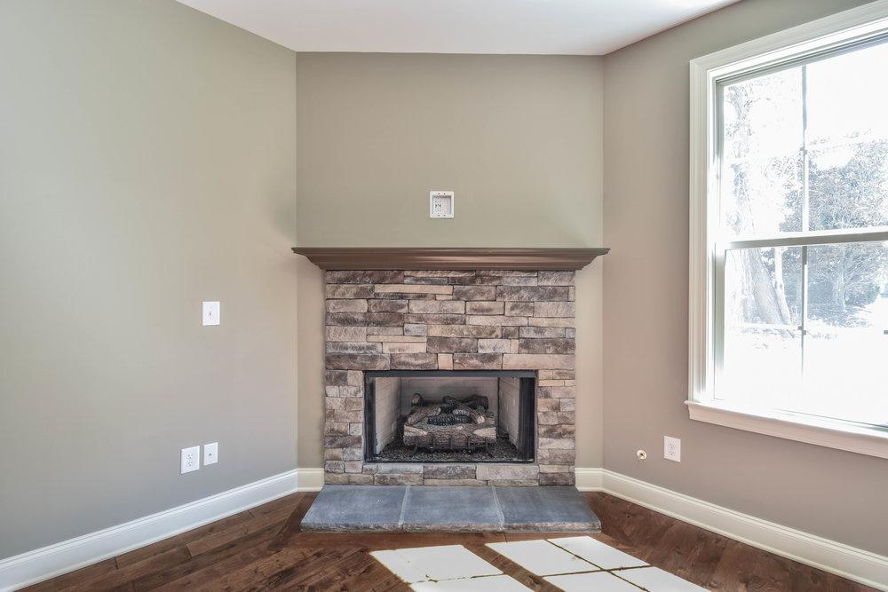 19.Fireplace.jpg