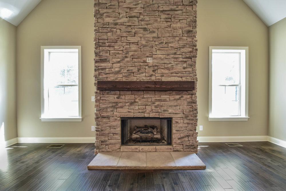 19. Fireplace.jpg