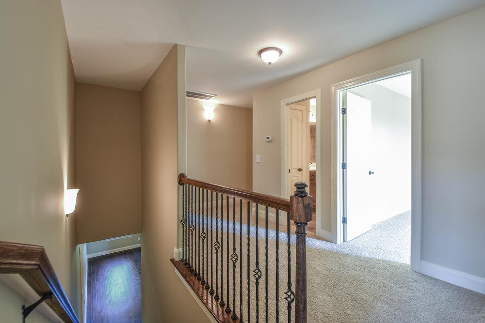 29.. Upstairs Hall.jpg