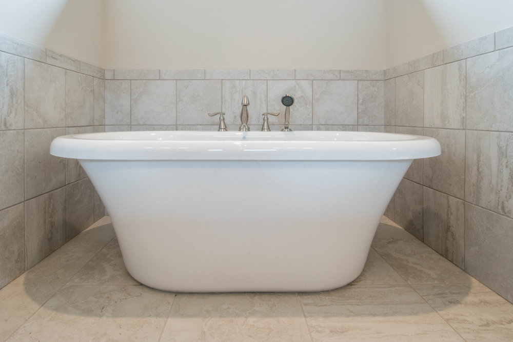 18. Gaston - MASTER TUB.jpg