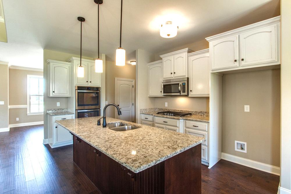 Windsor.8.kitchen.jpg