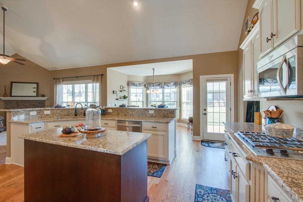 8.kitchen.summerset.jpg