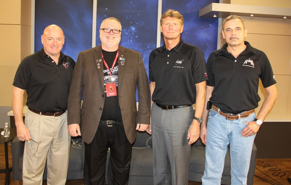 Liam with the Crew of Expedition 43 (Photo from the one year mission briefing at NASA Johnson space center on january 15 2015)