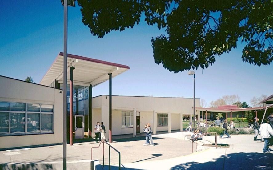 El_Molino_Exterior_Entrance_1.jpg