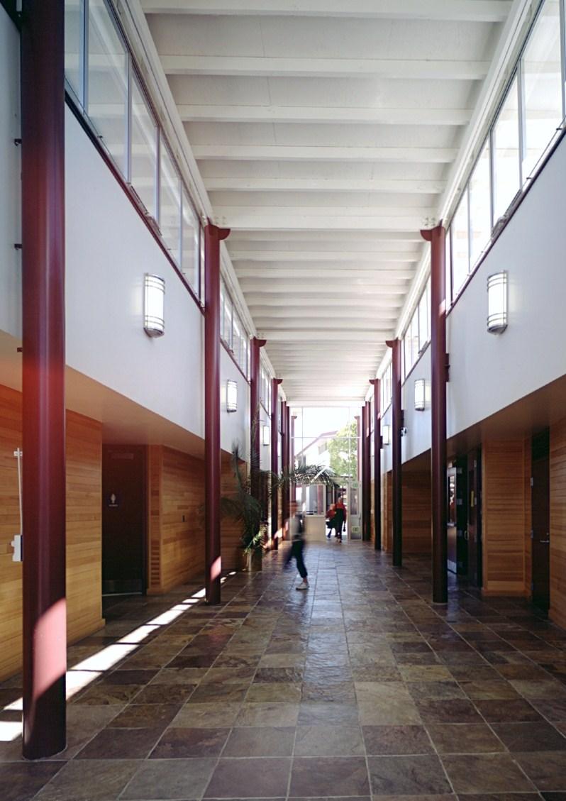 El_Molino_Interior_Hallway_1.jpg