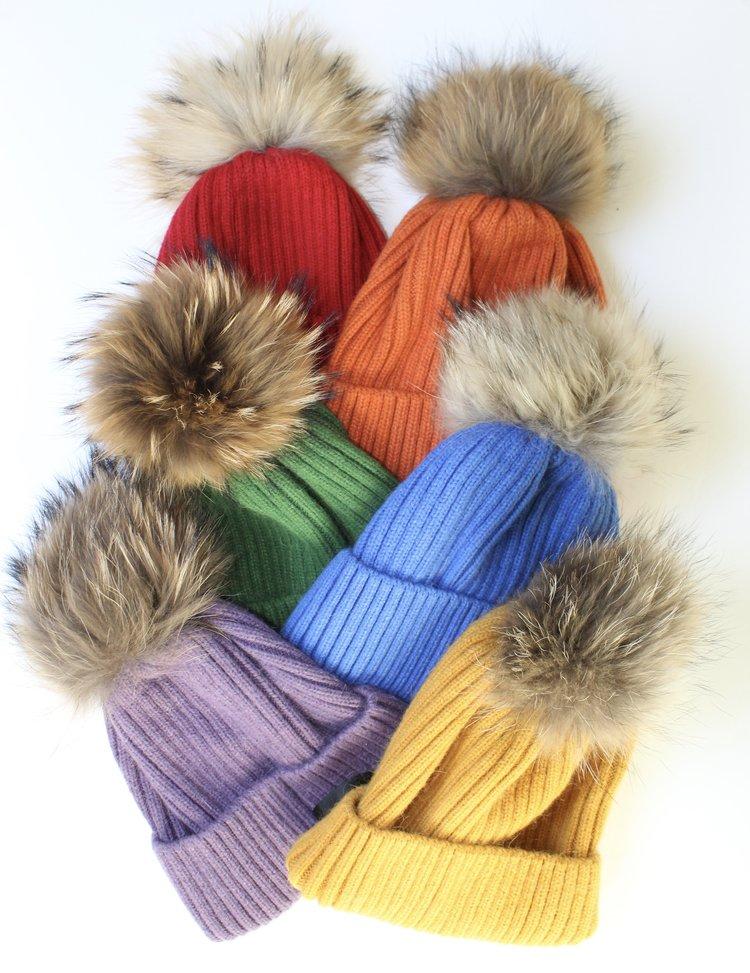 Ribbed Knit Beanie with fur pom pom