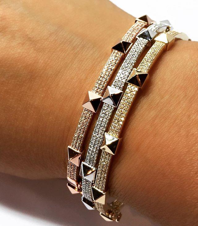 🔥🔥🔥 www.nicolehdjewelry.com . . #summer #fall #fallfashion #style #14kt #gold #diamonds #bangles #bracelet #pyramids #love #nicolehdjewelry