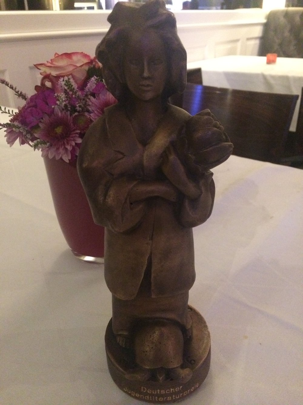 The prize winning statue of  MoMo