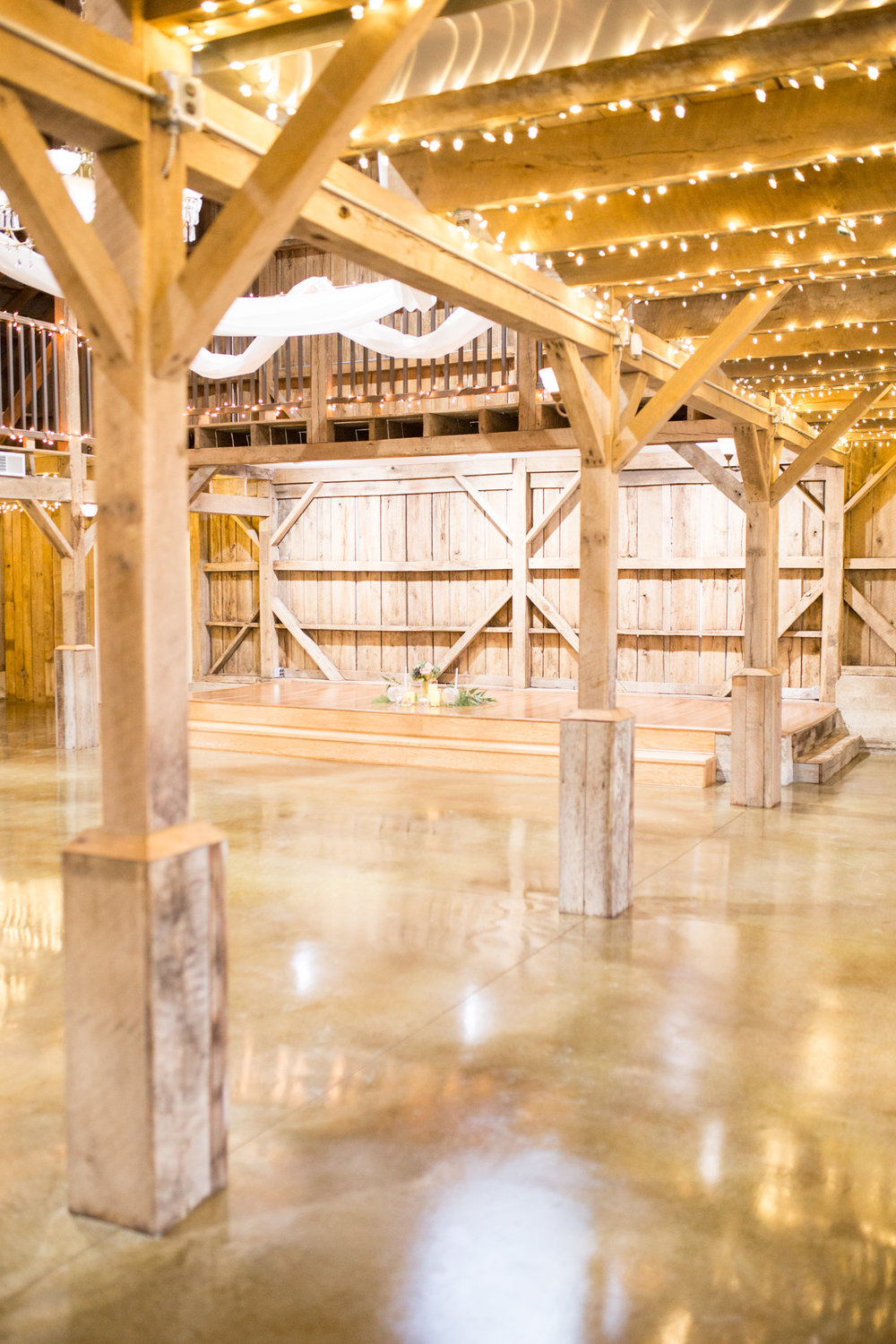 jeff_city_mo_barn_wedding-105.jpg