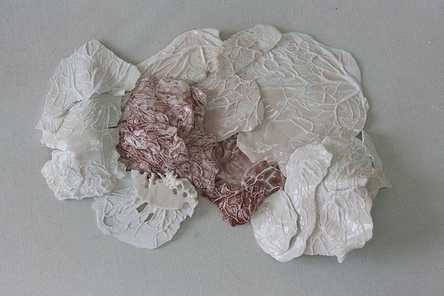 Primeras pruebas de esmaltes sobre porcelana.