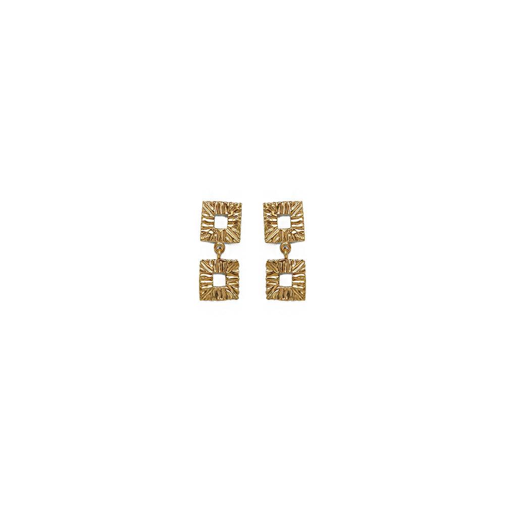 Duo Drops Gold