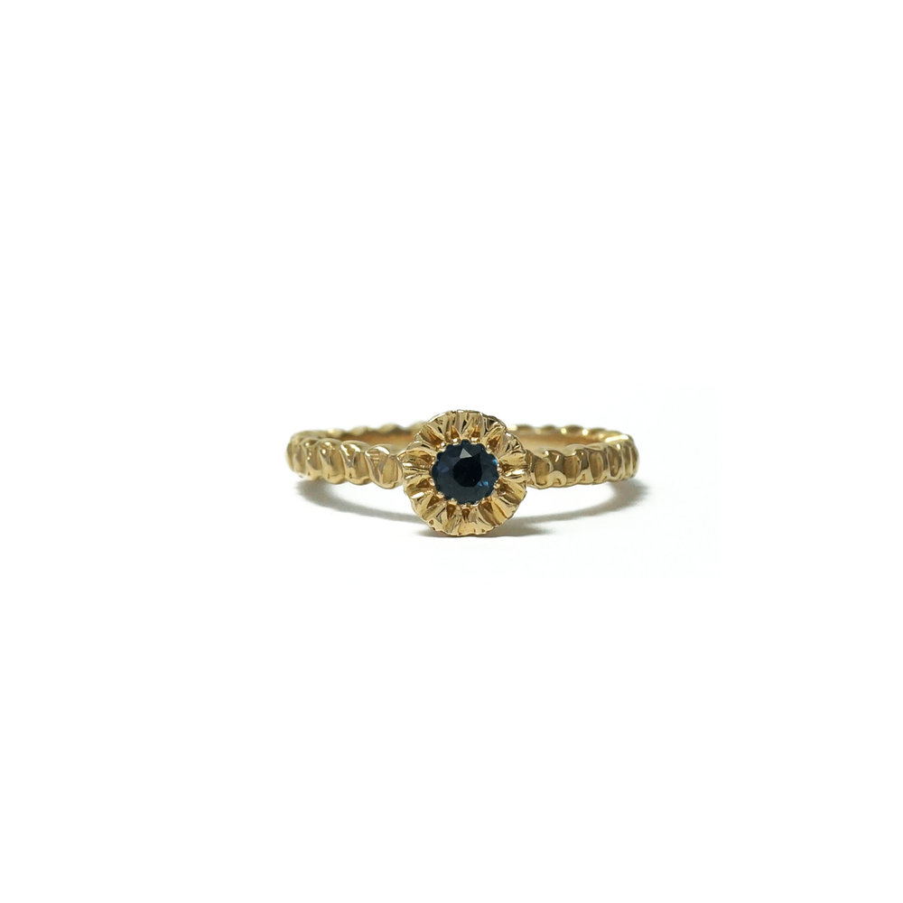 sapphire-solitaire-yellow-gold.jpg