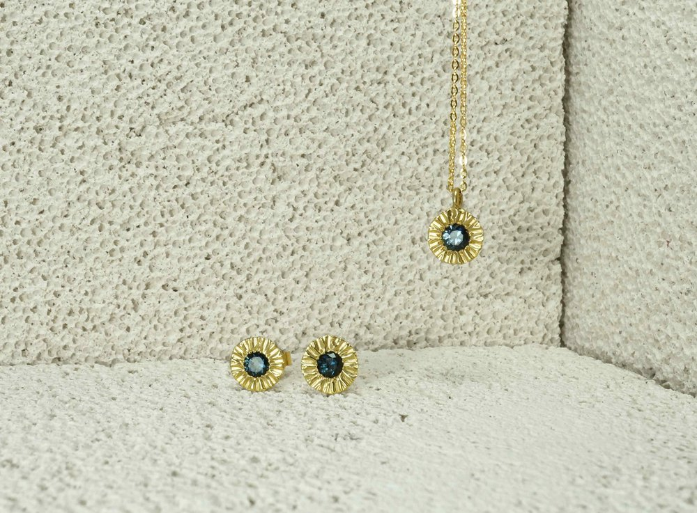 Bespoke 18ct Yellow Gold + Australian Teal Sapphire Stud Earrings & Pendant