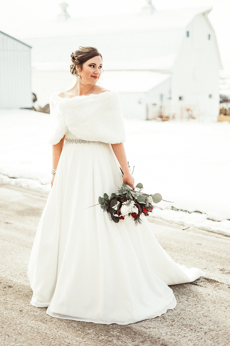 winter-wisconsin-wedding-westby-alyssa-smolen-photography (10).jpg