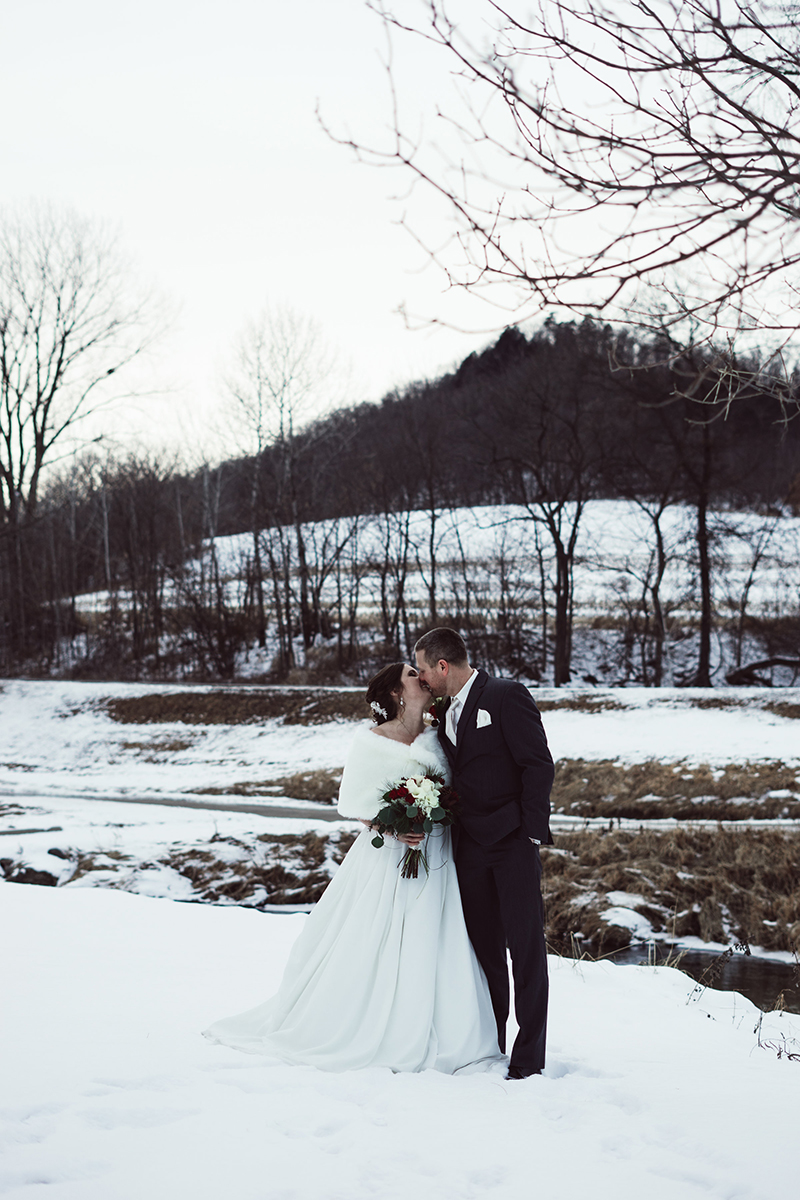winter-wisconsin-wedding-westby-alyssa-smolen-photography (16).jpg