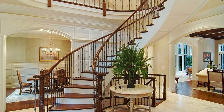 0019_foyer Cropped Cropped.jpg