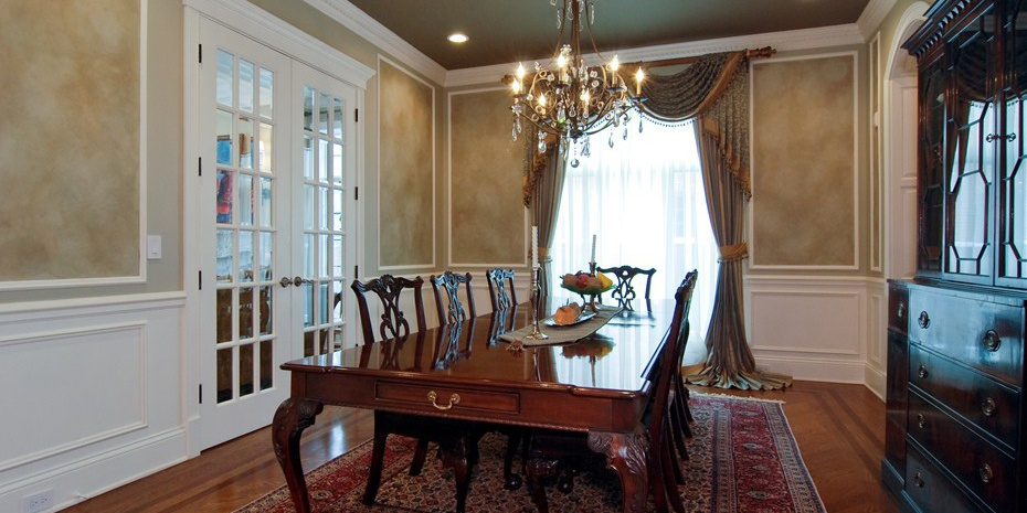 0053_dining_room Cropped Cropped.jpg