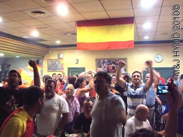 spain valverde wear Spanish footbal colours everybodys cheer
