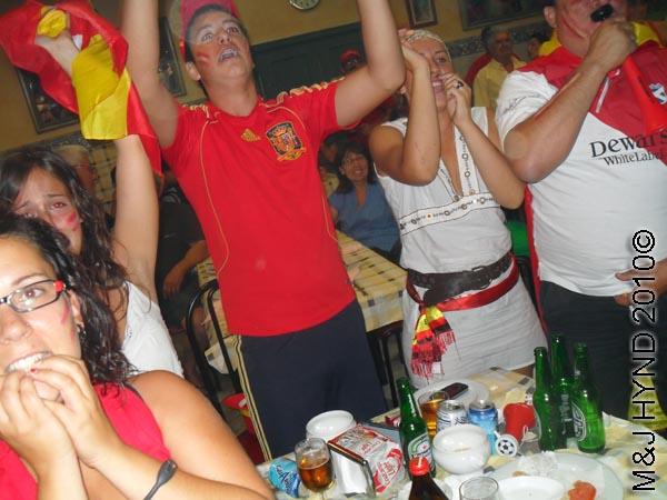 spain valverde wear Spanish footbal colours everybodys cheer on their feet