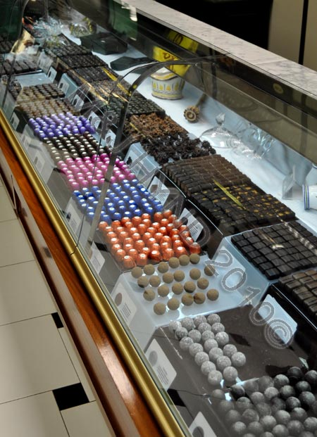 spain villajoyosa Costa Blanca, Valor Chocolate museum factory-tour, manufacturing special bonbons, free-tasting, handmade chocolate, cocoa, truffles, pralines