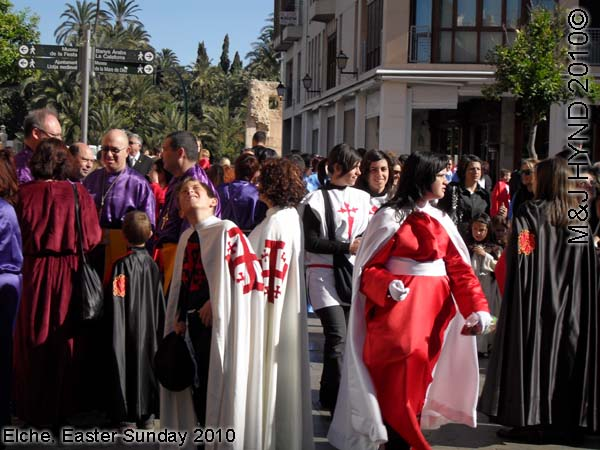 spain elche, Holy Week, get ready Hallelujah Procession of the Brotherhood Easter Sunday, many-coloured long robes capes, Palacio de Altamira