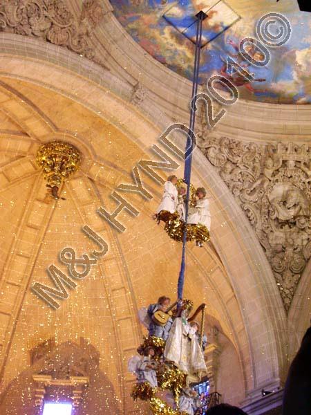misteri de elche: spain elche Fiesta Misterio de Elche Mystery Play of Elche Pomegranate apparatus, blue-domed ceiling Basilica de Santa Maria gold tinsel from Door of Heaven