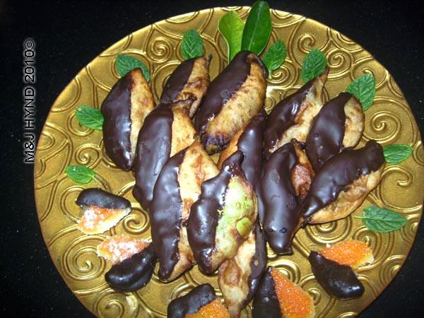 spain perleta home kitchen recipe valentines day treat decorate presentation, chocolate orange-leaves, orange peel, orange hearts, mint, orange leaves