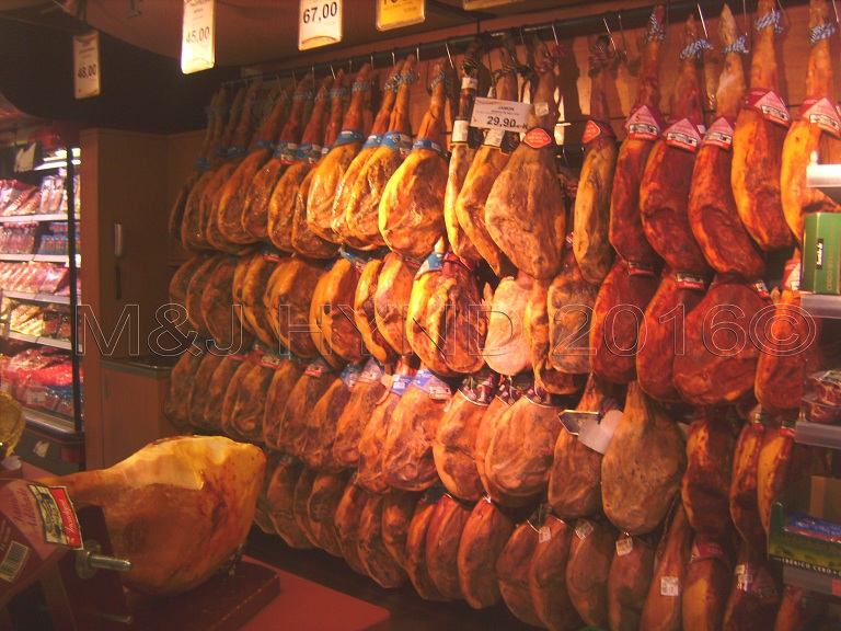 Supermarket: ham *with* the hoof