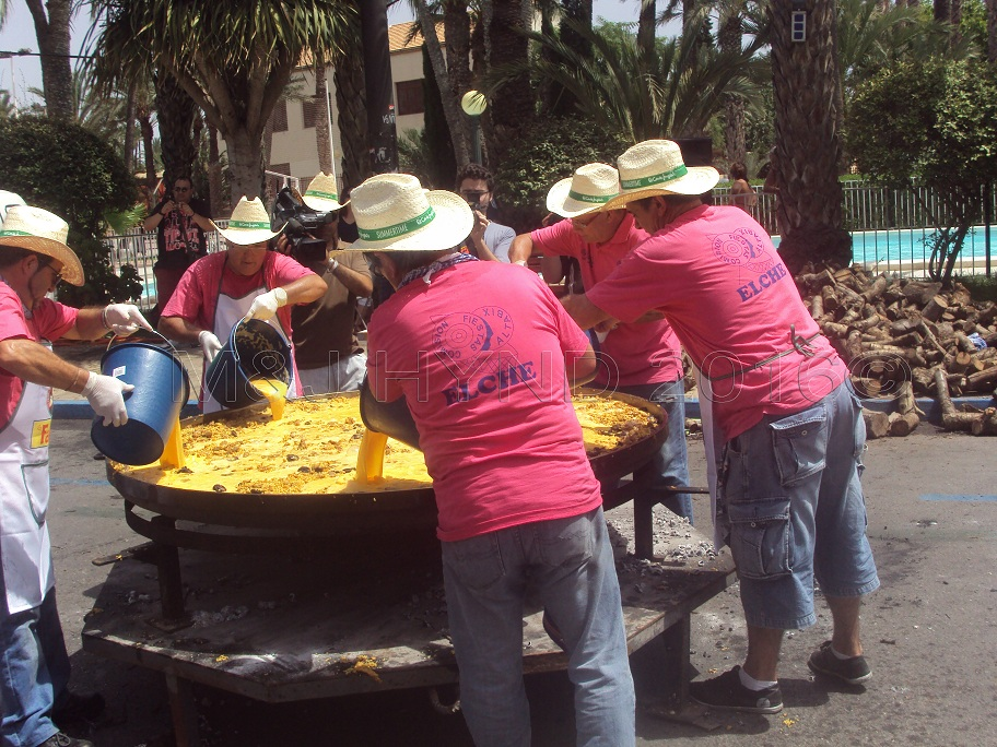 Elche Fiesta: Arroz Con Costra (Large) #6