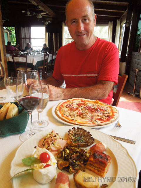 pizza antipasti red wine lunch, Monopoli, Italy