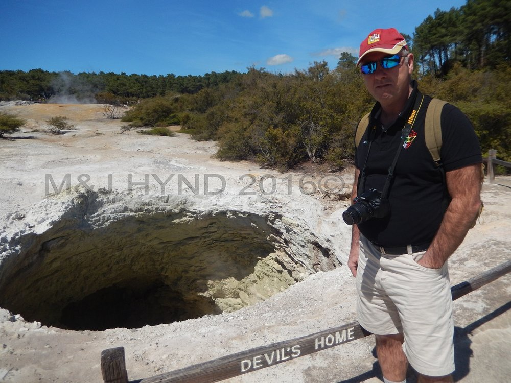 Devils Hole fissurole, Wai-o-tapu Thermal Wonderland, Rotorua, NZ