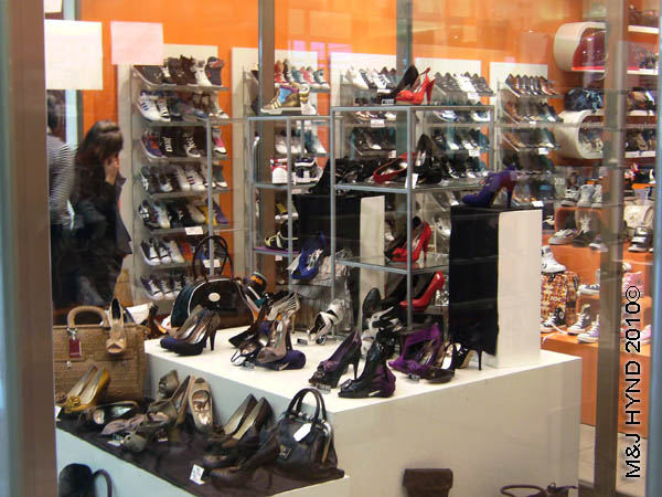 Elche shopping shoes Spain