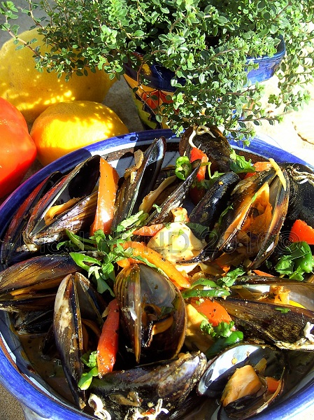 Mussels with Sambal and Harissa, Travels with a One-Handed Cook, recipe, Jacqui Hynd